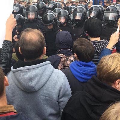 По всей России проходят протесты против пенсионной реформы - начались задержания и столкновения ( видео)
