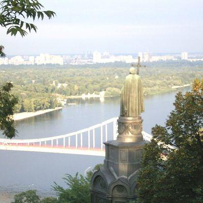 В центре Киева построят мост