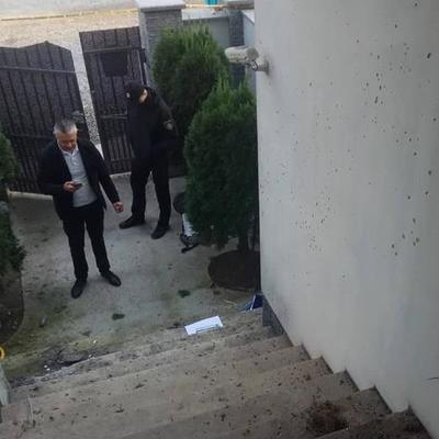На Закарпатье неизвестные бросили гранату во двор местного депутата (фото)