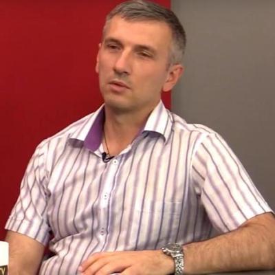 Стрельба в центре Одессы: в полиции сообщили о покушении на активиста Олега Михайлика (видео)