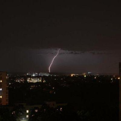 Прогноз погоды на понедельник: Украину накроют ливни со шквальным ветром