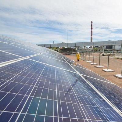В Чернобыльской зоне открыли первую солнечную электростанцию (фото)