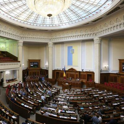 В Раде предложили лишить звания «Народного артиста Украины» Лорак, Лободу и Повалий