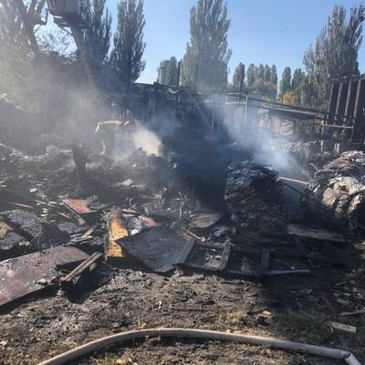 В Киеве на территории Кислородного завода произошел пожар