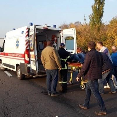 Под Киевом автобус со школьниками попал в ДТП: погибла 13-летняя девочка