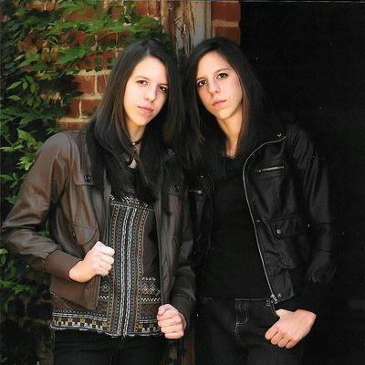 Сестры-близнецы решили стать братьями-близнецами (фото)