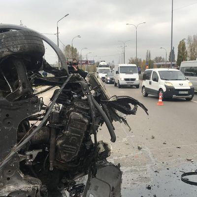 В Киеве автомобиль влетел в полицейский пост