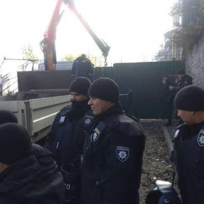 На Андреевском спуске прогремели взрывы