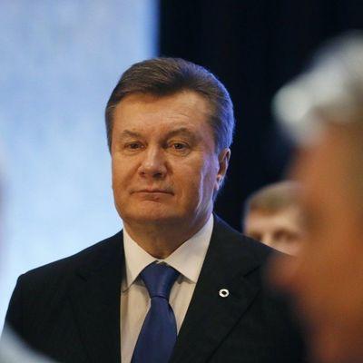 Януковича госпитализировали в клинику — росСМИ