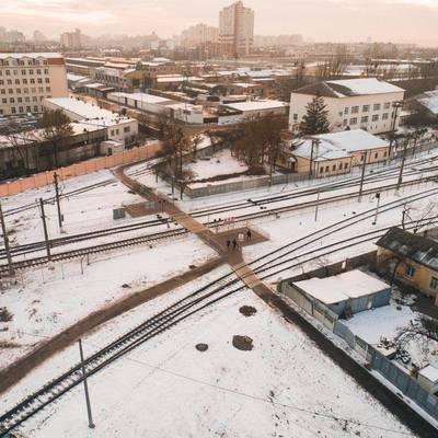 Возле станции «Дарница» появился переход через железнодорожные пути