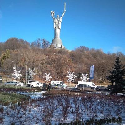 В Киеве появились 3D-снежинки
