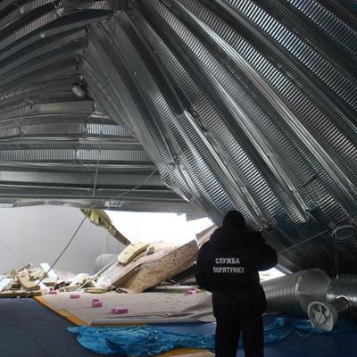 В Киевской области обрушилась крыша детской спортивной школы (фото)