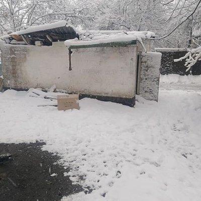 В Киеве педофил пытался затащить за гаражи школьницу