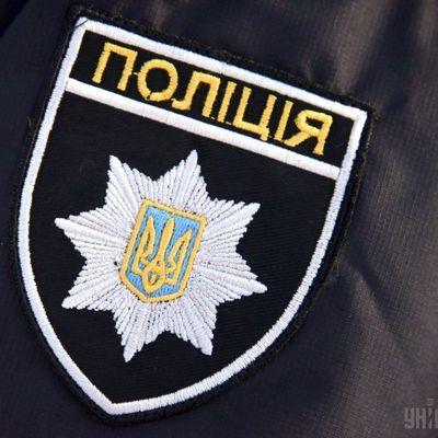 В центре Киева задержали двоих: с ножом и нунчаками