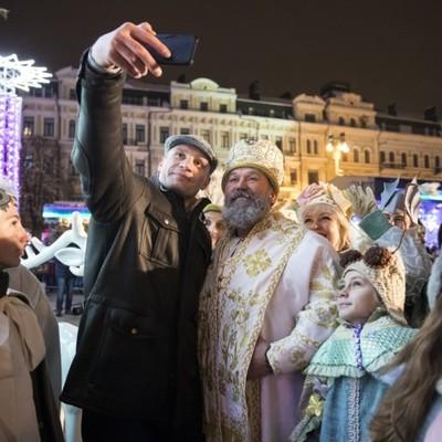 Кличкопринял участие в церемонии зажжения огней на главной новогодней елке Украины