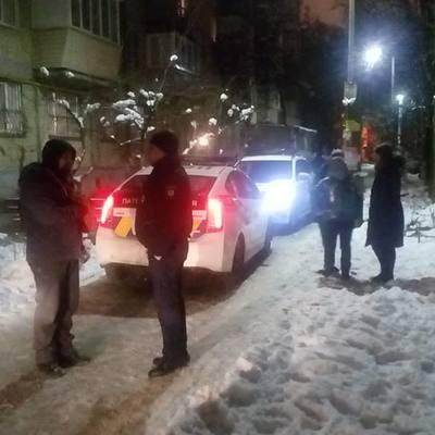 В Киеве пьяный полицейский с ножом ограбил ребенка
