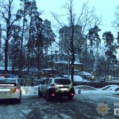 В Киеве во время ремонта разбился стекольщик