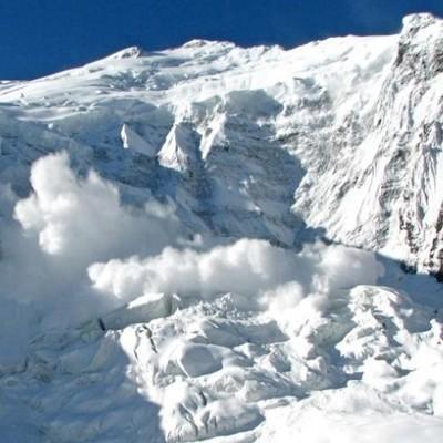 Украинские предупредили о лавинной опасности в Карпатах