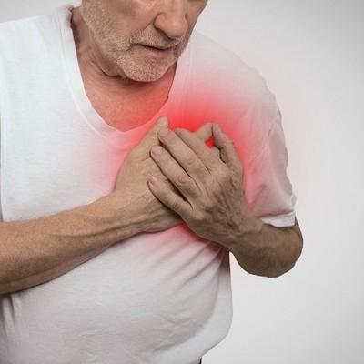 Медики предупреждают о риске инфарктов и инсультов в новогоднюю ночь
