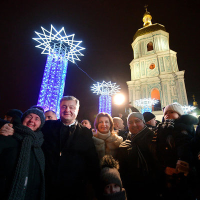 Президент приехал на главную елку страны и поздравил украинцев