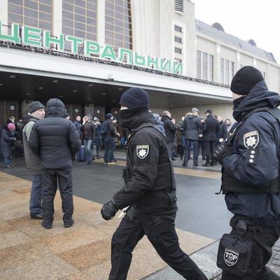 С сегодняшнего дня Нацполиция снова начала патрулировать железнодорожный вокзал Киева