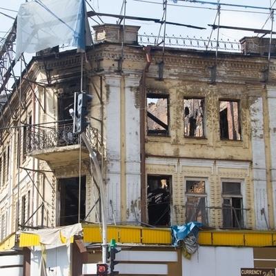 Сгоревший на Крещатике Центральный гастроном хотят превратить в торговый комплекс