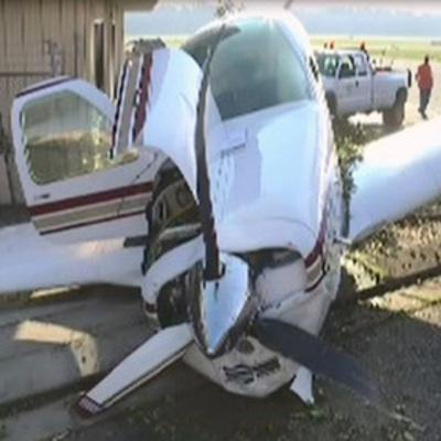 Самолет улетел, когда хозяин отошел от него