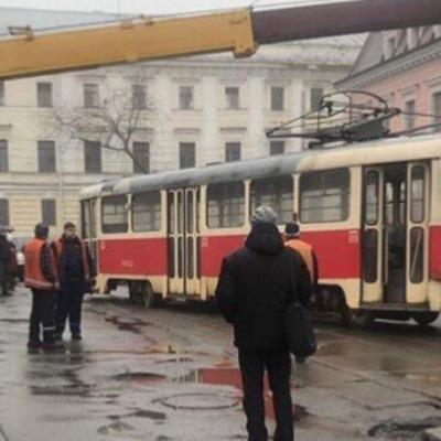 В Киеве сошли с рельсов два трамвая