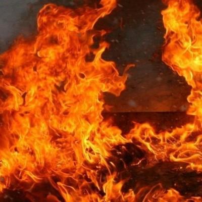 В Киеве горят склады со строительными материалами