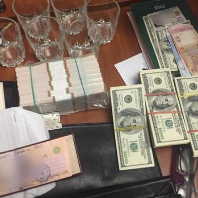 И.о. начальника Голосеевского отдела Нацполиции задержали за вымогательство 34 тысяч долларов
