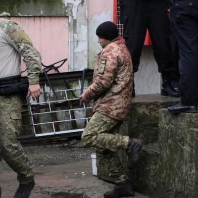 Четверо украинских моряков повторно заявили, что являются военнопленными