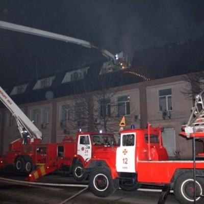 Масштабный пожар в Киеве: горело офисное здание