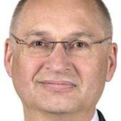 Депутат парламента Словении украл бутерброд и подал в отставку