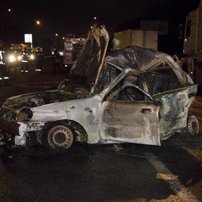 Жуткое ДТП в Киеве: пассажир такси сгорел заживо (фото, видео)