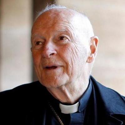 Ватикан лишил сана бывшего архиепископа Вашингтона, обвиненного в насилии