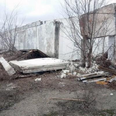В Днепропетровской области на мужчину упала железобетонная плита