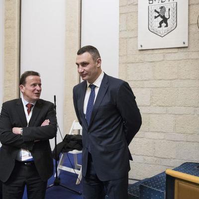 Кличков Израиле на конференции мэров обсудил воплощение лучших технологий Smart City