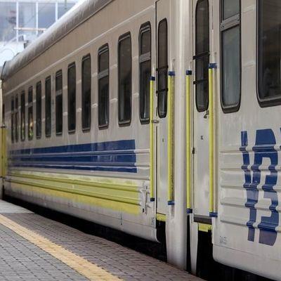 Поезд «Четырех столиц» оснастили плацкартными вагонами