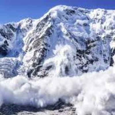 В Карпатах сошло три лавины