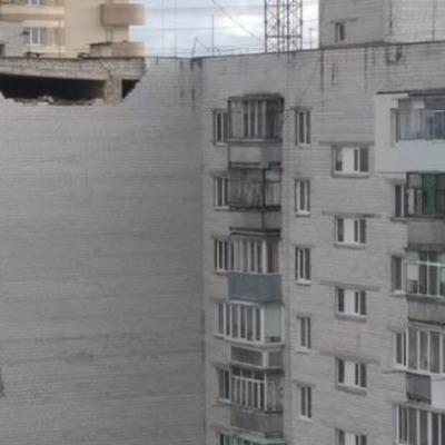 В Борисполе на Киевщине обрушилась часть стены жилого дома