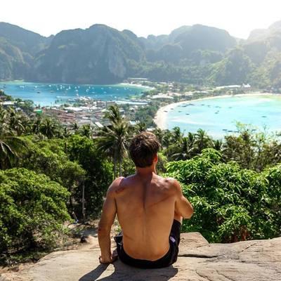 В Тайланде на пляже вор избил туриста за то, что тот заметил кражу