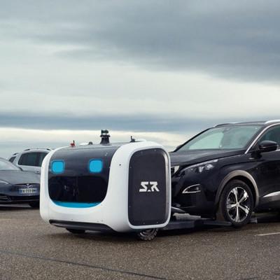 В аэропорту Лиона запустили роботов для парковки автомобилей (видео)
