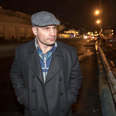 Виталий Кличко ночью проверил готовность к началу работ по демонтажу Шулявского путепровода