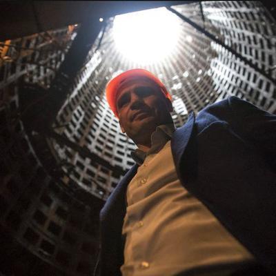 Кличко сделал селфи в монтажной шахте метро на Виноградарь (фото)