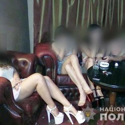 В столичном отеле функционировал бордель, замаскированный под стриптиз-клуб