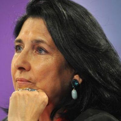 Президент Грузии отказалась говорить с азербайджанцами по-русски