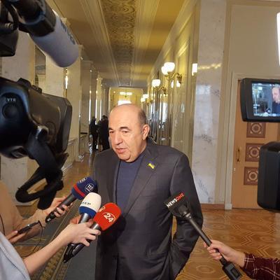 Рабинович предложил учредить новый праздник для Кабмина – День наперсточника