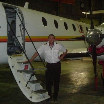 Летчик поссорился с женой и протаранил самолетом дом