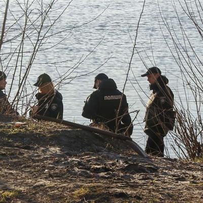 В столице на берегу Днепра обнаружили человеческие останки