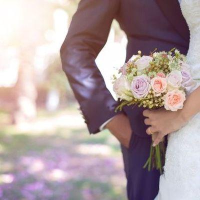 Невеста потребовала от гостьи на свадьбе компенсацию за слишком дешевый подарок